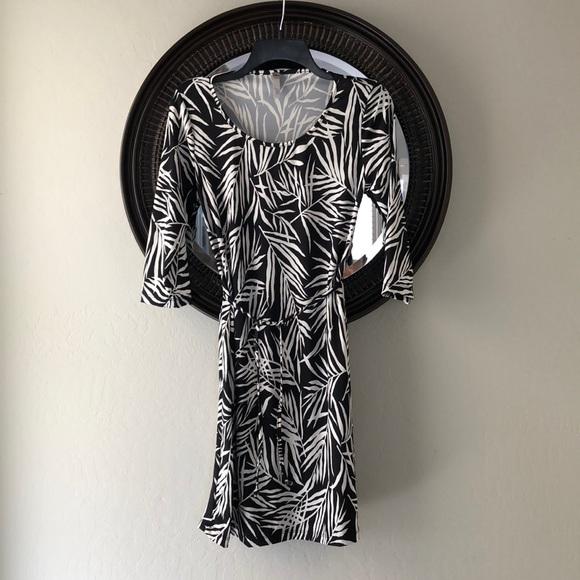 Lilac Clothing Dresses & Skirts - Black and White Shift Maternity Dress